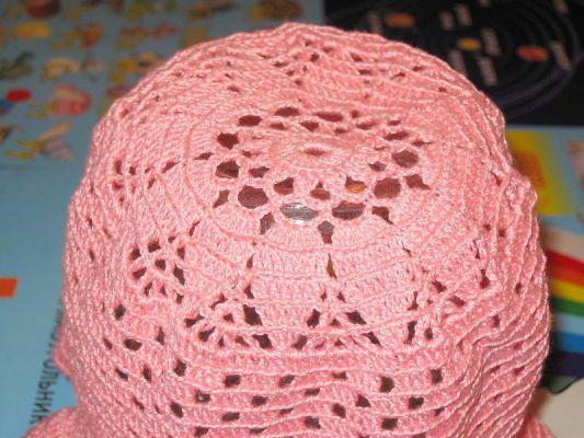 Нитки Ирис, крючок 1,5. Розовая панамка (макушка) .